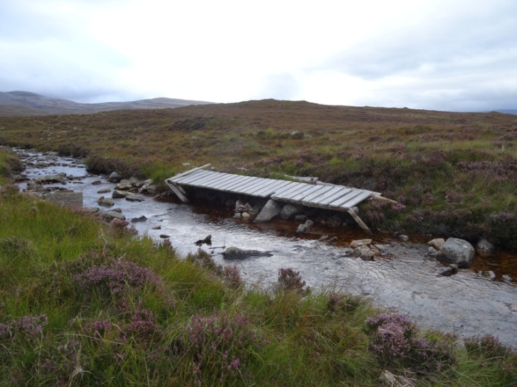 The footbridge over Allt Mhic Mhurchaidh Gheir. Not much good to me!